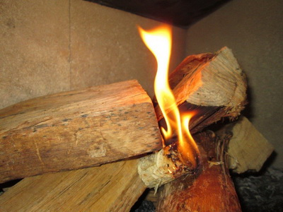Royal Firelighters light fires reliably